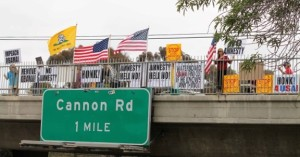 2013 US Trucking Industry News – Truckers and Overpass Protesters Join Forces to Shutdown America